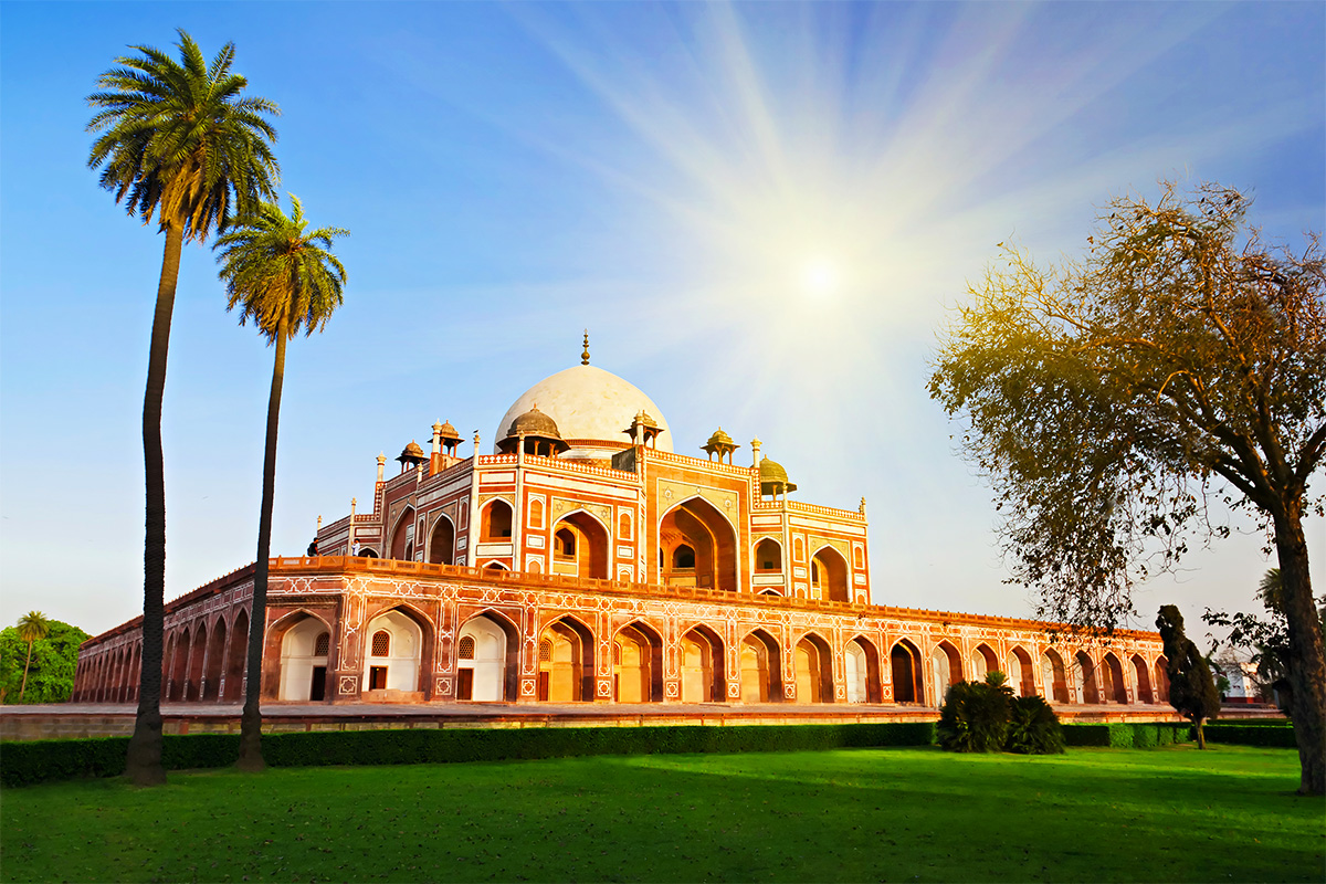 Luxury 14 day India River Cruise & Tour
