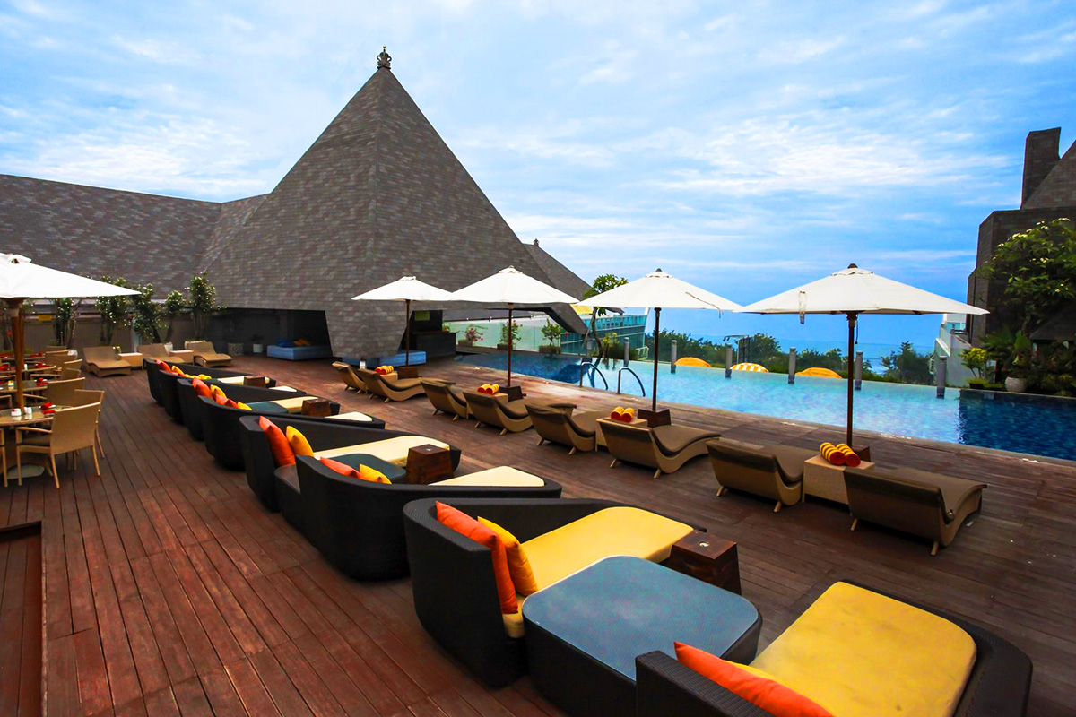 Cheap boutique 5 star bali getaway at kuta beach heritage for Hotels in bali 5 star luxury