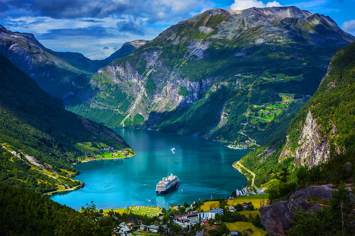 20 Day Norwegian Fjords & Coastal Cruise