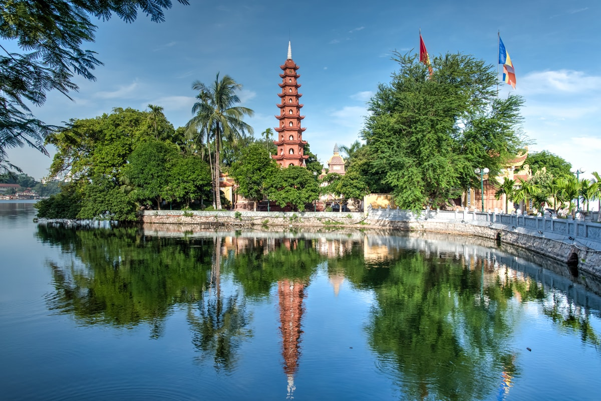 18 day Vietnam tour with flights