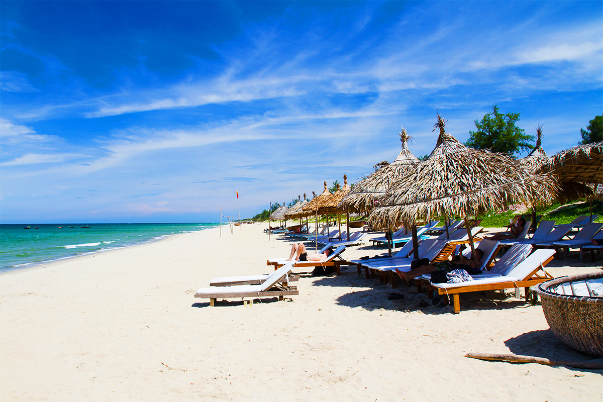 10 day North Vietnam tour with Hoi An beach break and flights