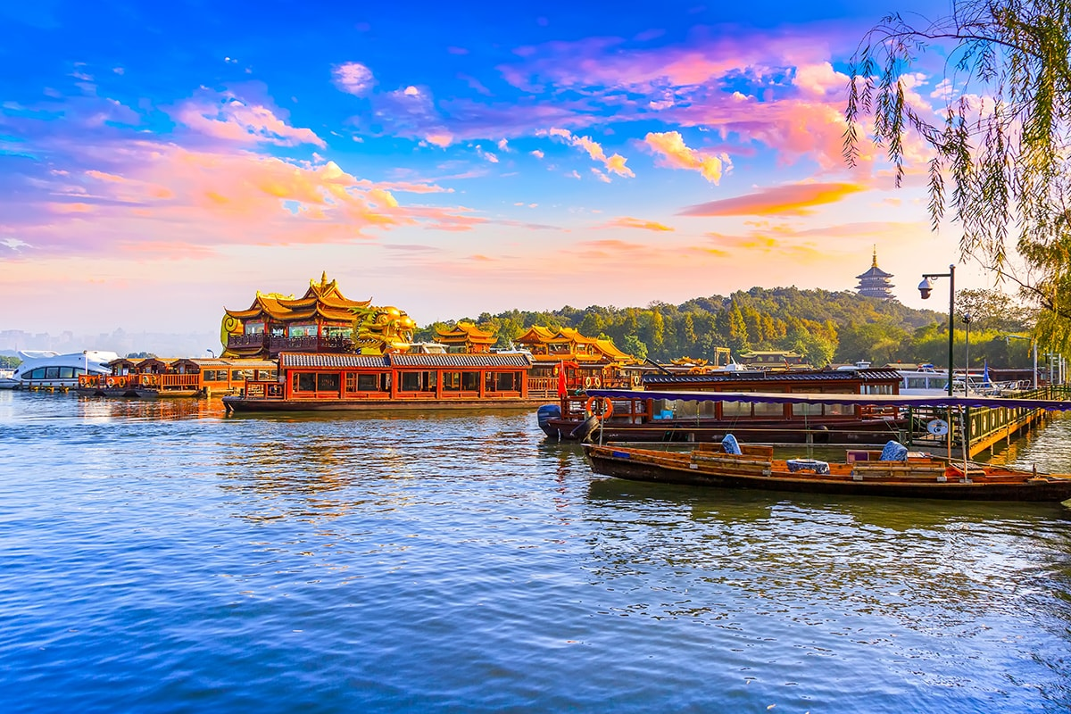 11 day China Discovery Tour with Qantas flights
