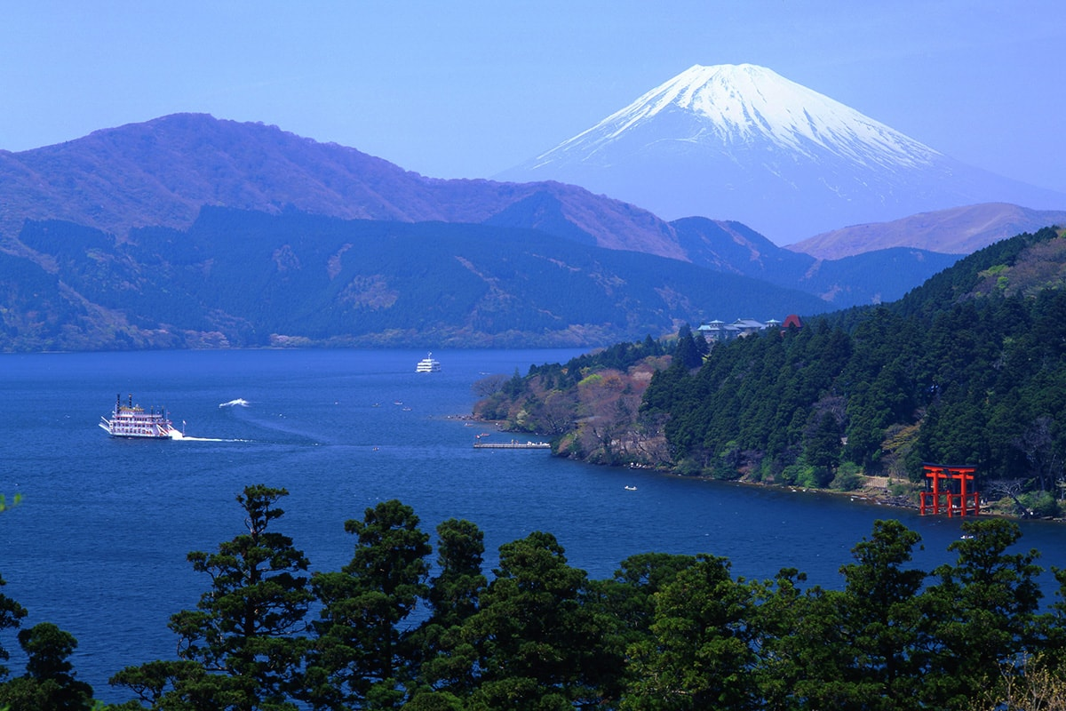 11 day Japan Golden Route tour with Singapore or Hong Kong Stopover