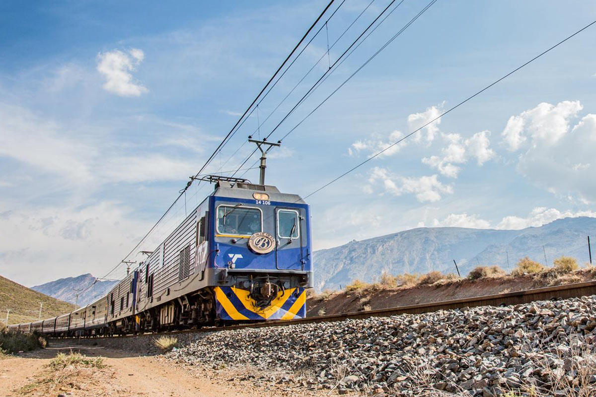 17 Day Spectacular Blue Train, Botswana, Kruger & Cape Town