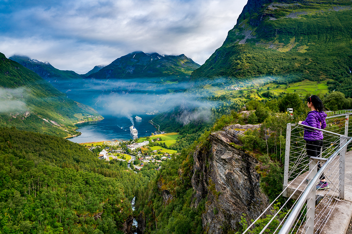 14 day Norwegian Fjords Cruise & London Package with Flights