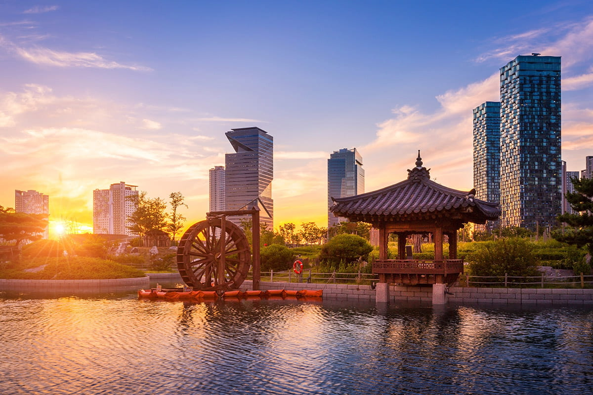 18 Day China, South Korea & Japan Cruise Package with Flights
