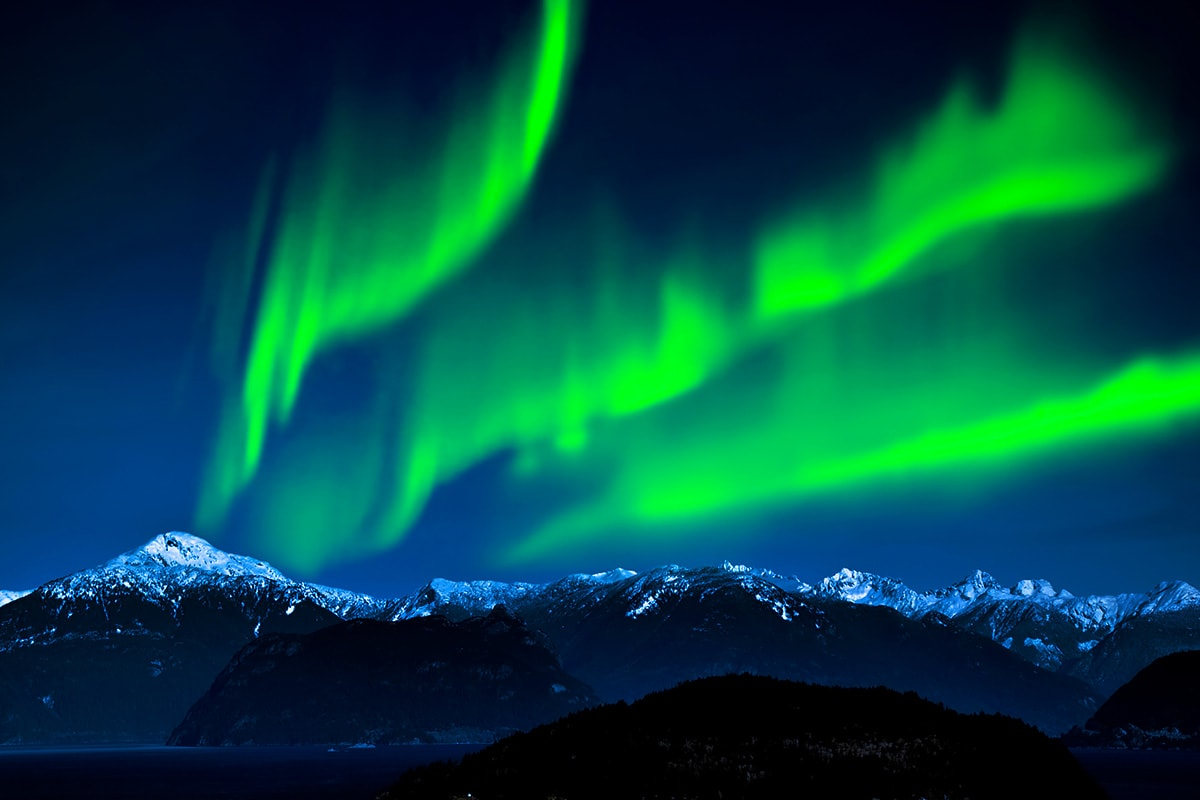 In Search of the Northern Lights tour with Norway cruise and flights