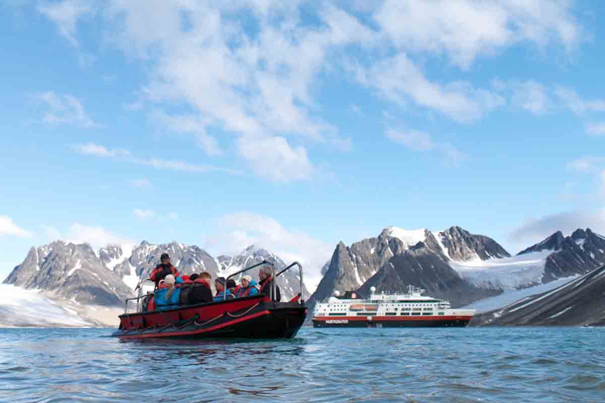 Antarctica Expedition Cruise & Buenos Aires with flights