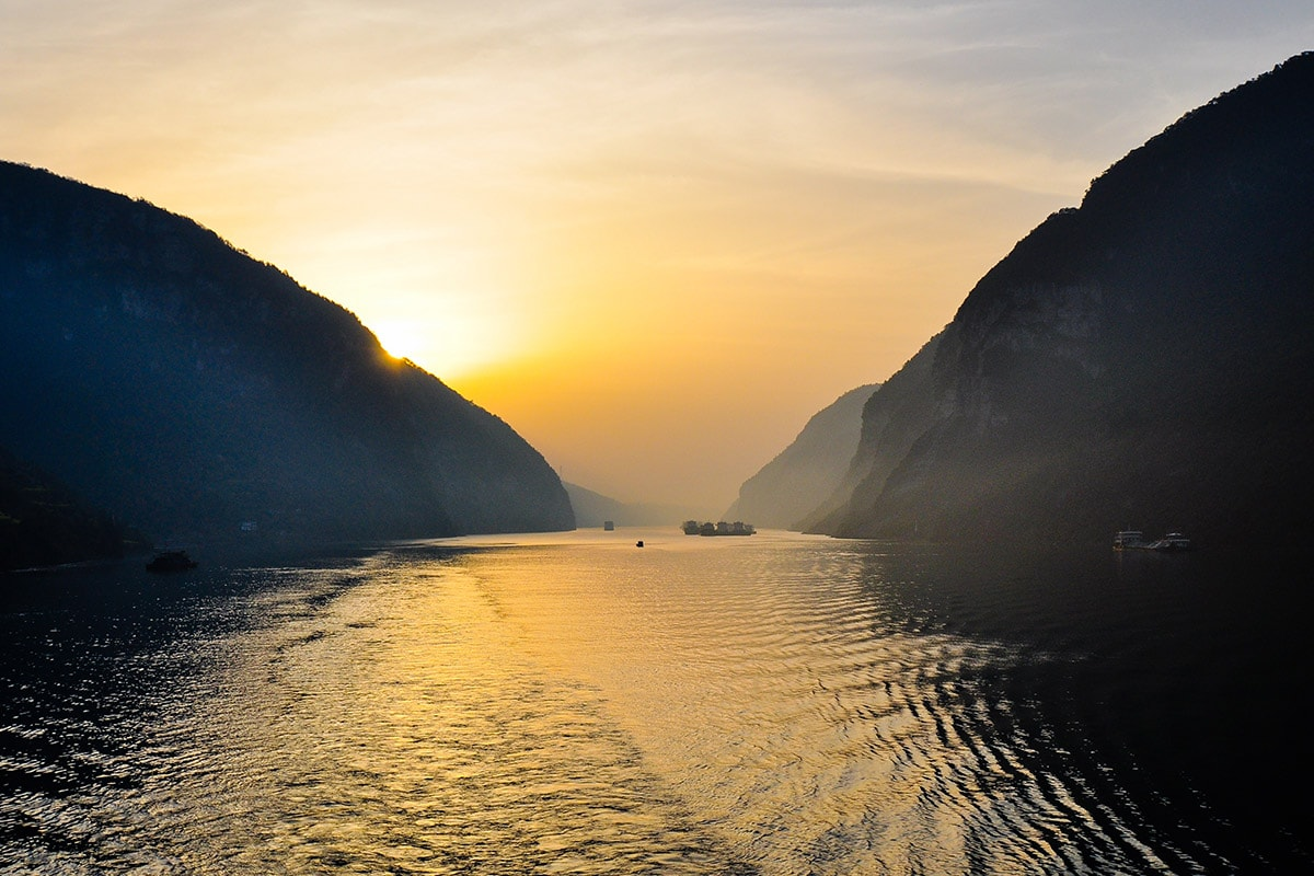 7, 9 and 14 day Majestic China Yangtze River Cruise including flights