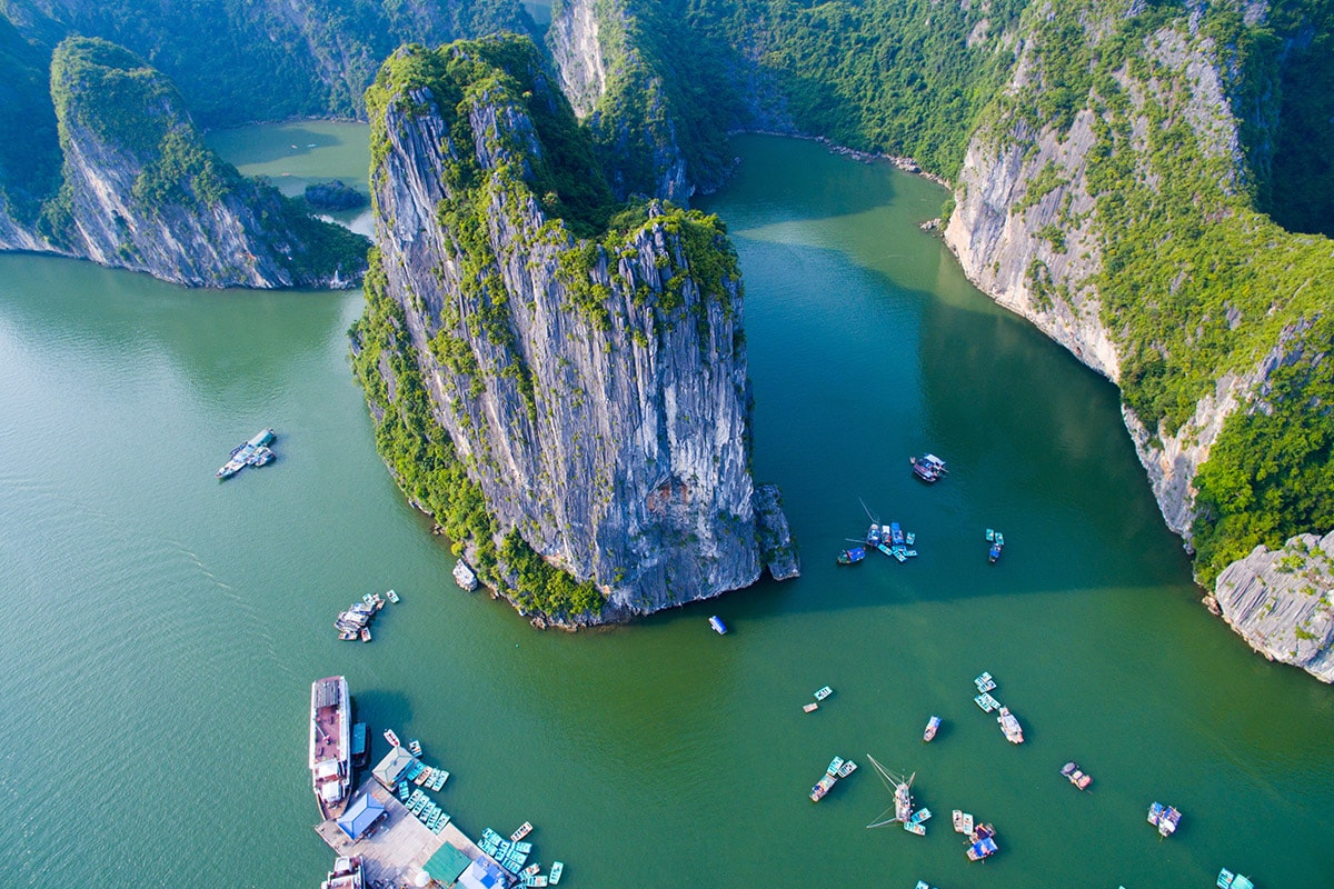 16 day Vietnam tour with flights