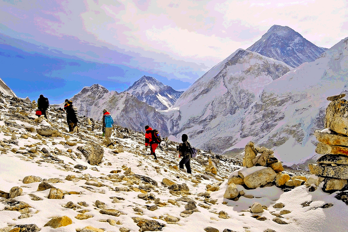 17 Day Everest Base Camp Trek with Flights – End of Year Sale