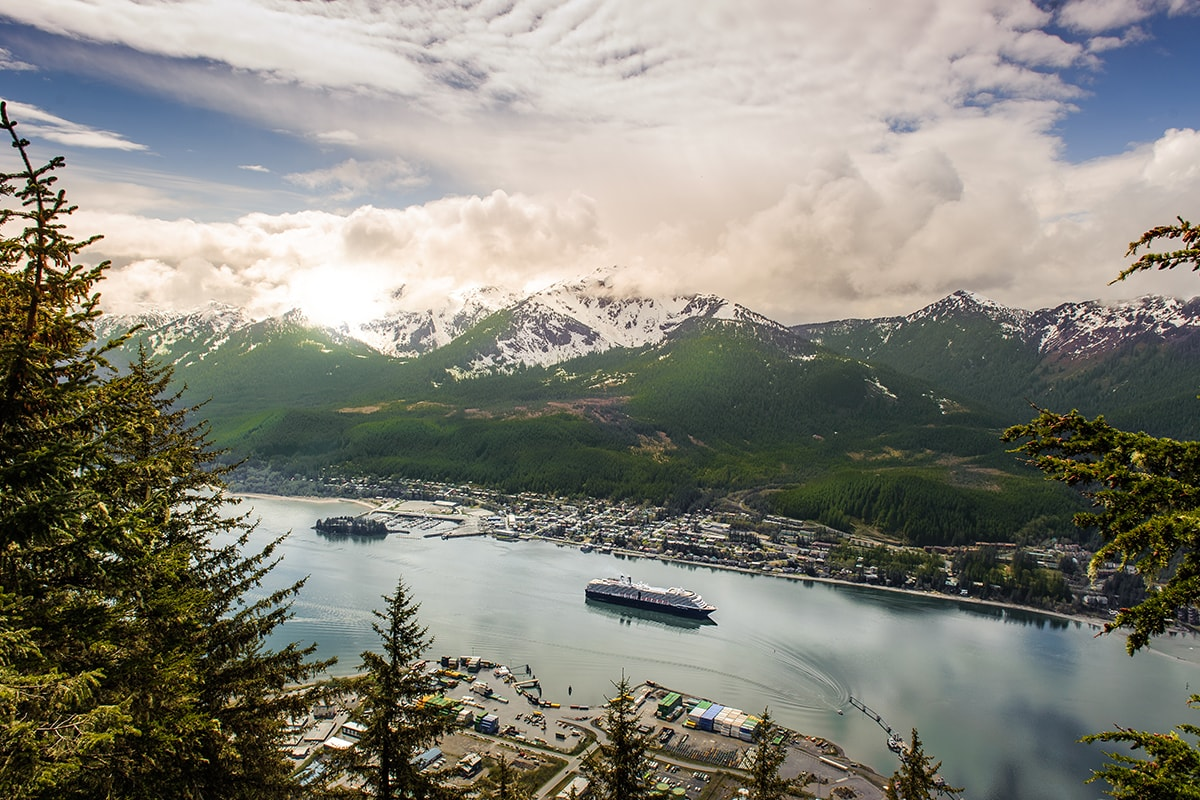 24 Day Small Ship Alaska cruise, Rocky Mountaineer & Denali tour with flights