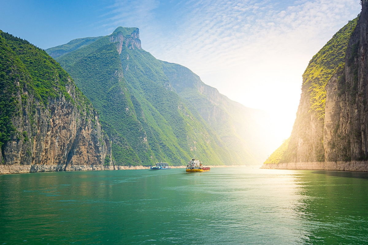 14 day China tour with Pandas, Yangtze River cruise and Hong Kong with flights