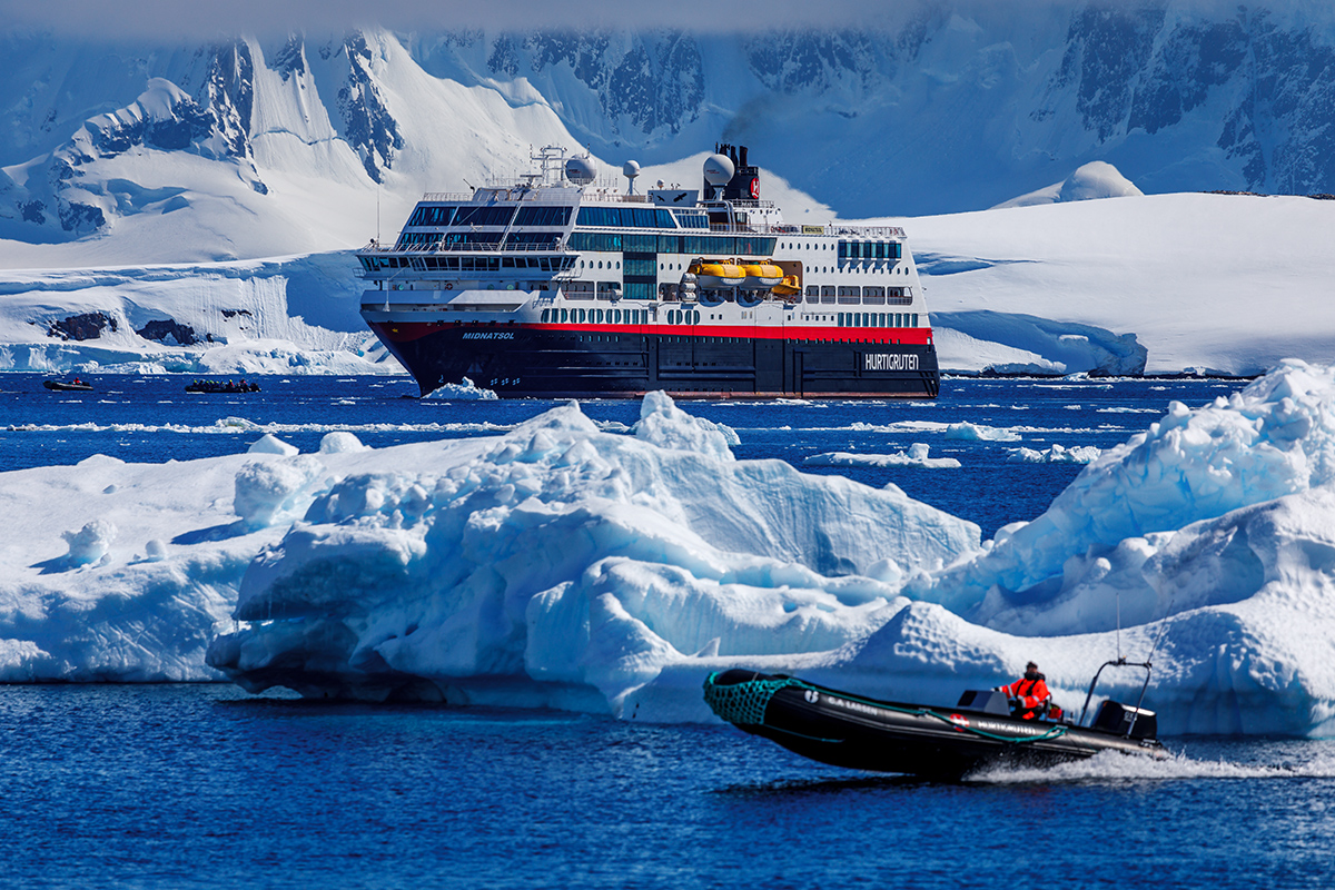 Antarctica Expedition Cruise With Highlights Of South