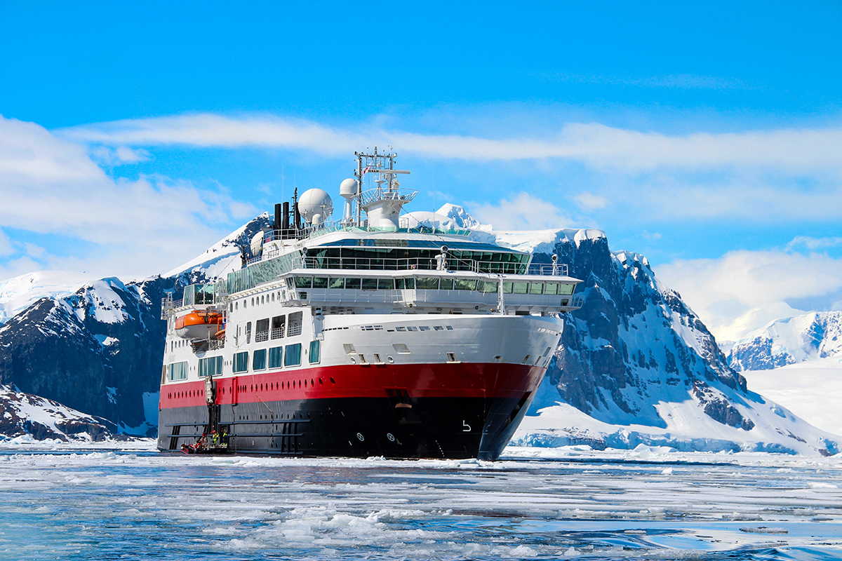 25 day Antarctica Expedition Cruise with Highlights of South America Tour