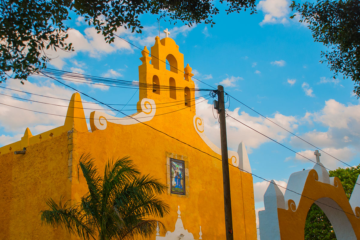 15 day Treasures of Yucatan tour with all-inclusive Cancun beach break and flights