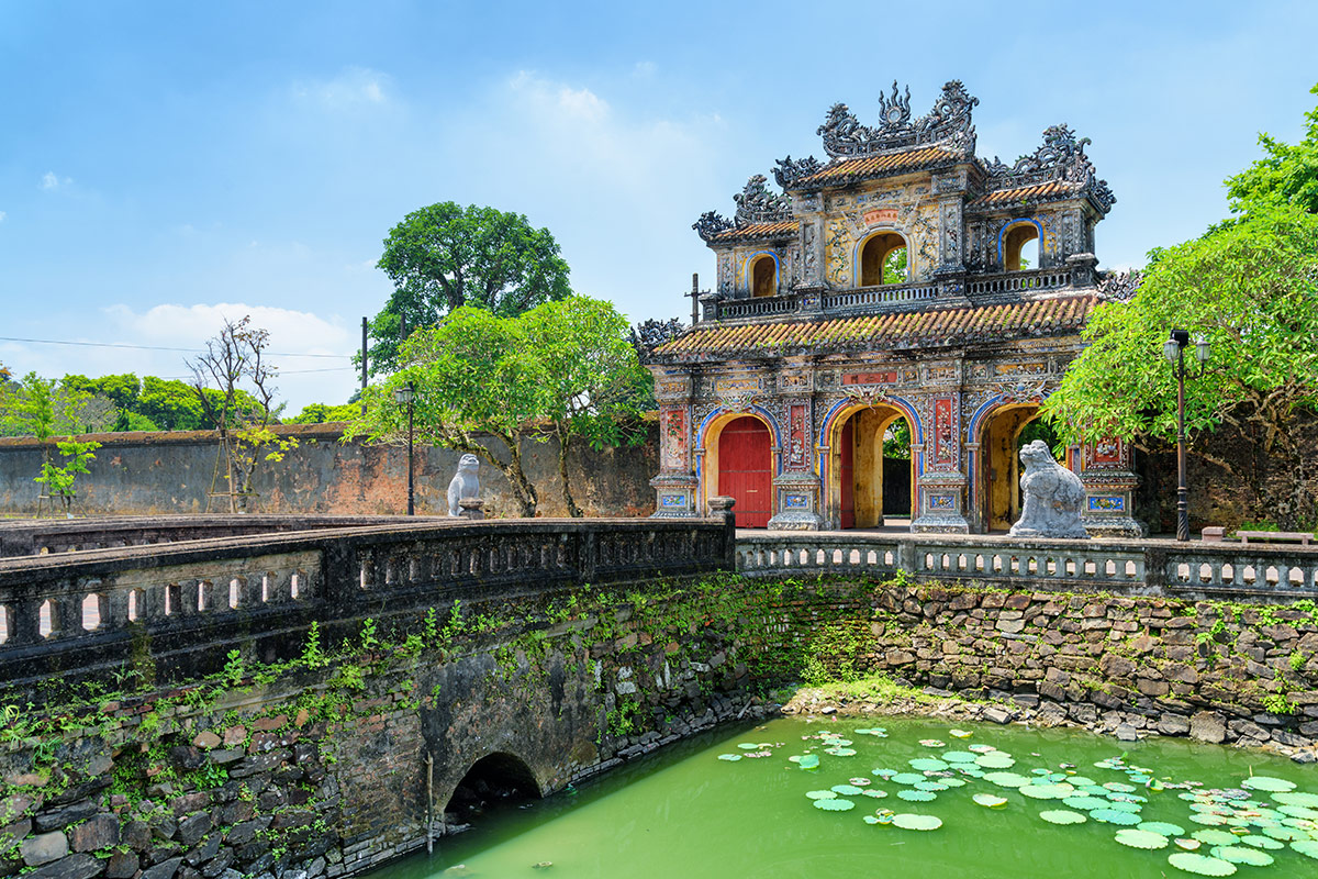 21 day Grand Vietnam tour with flights