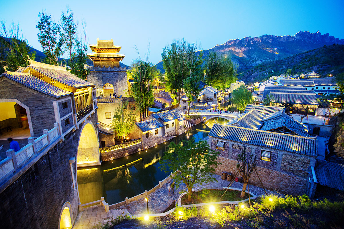 14 day Ancient China tour with Yangtze River cruise and flights