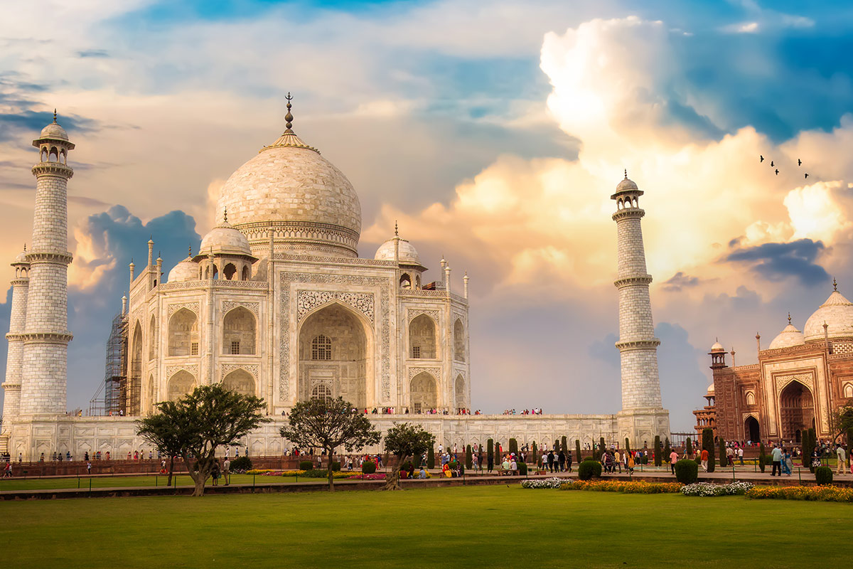 16 day Wonders of India tour with Singapore Airlines flights