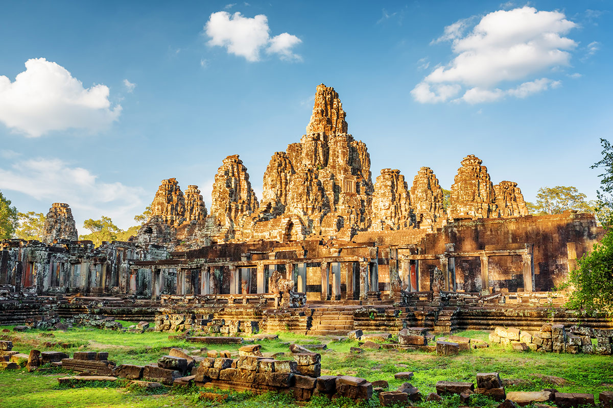 18 day Trails of Vietnam and Cambodia tour with flights