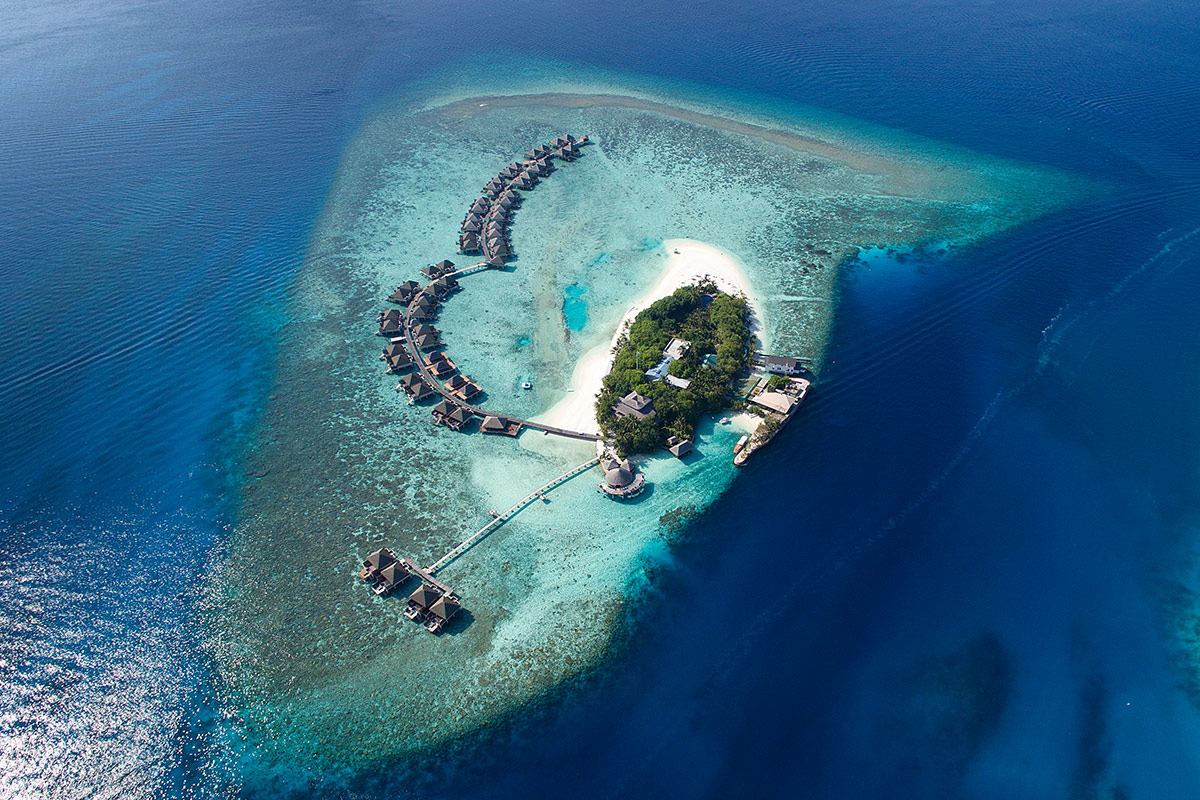 Ultimate Overwater Villa all-inclusive Maldives Experience with Singapore Airlines flights