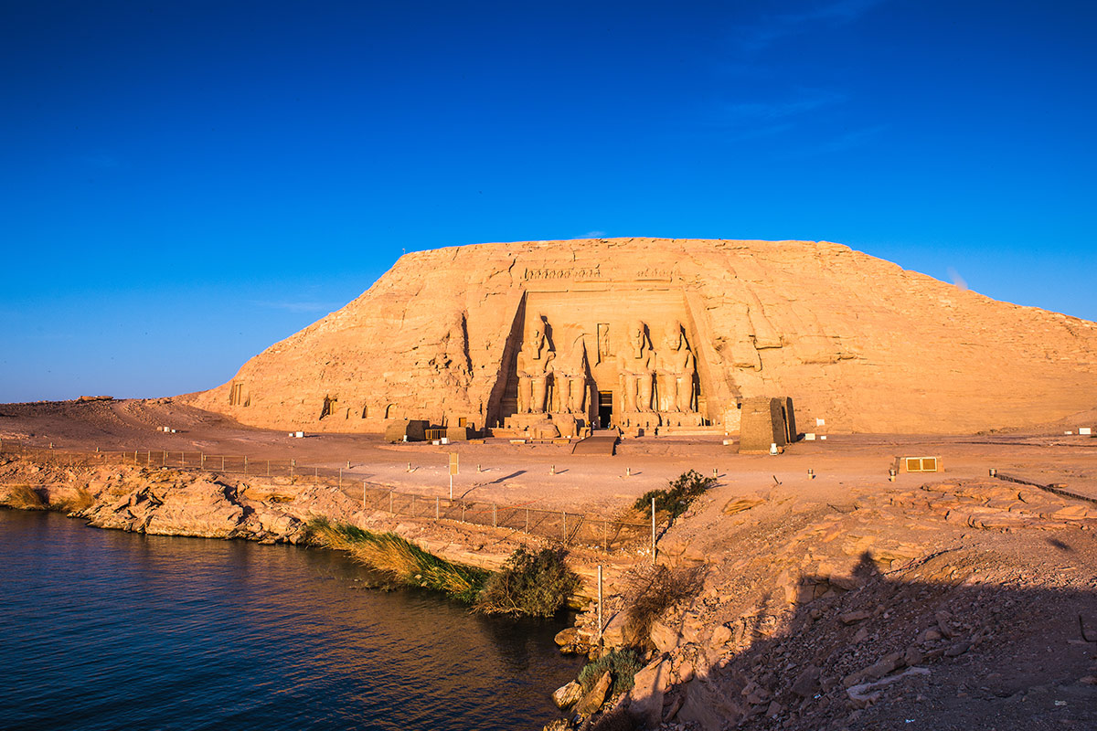 25 day Highlights of the Middle East tour with Nile cruise and Emirates flights