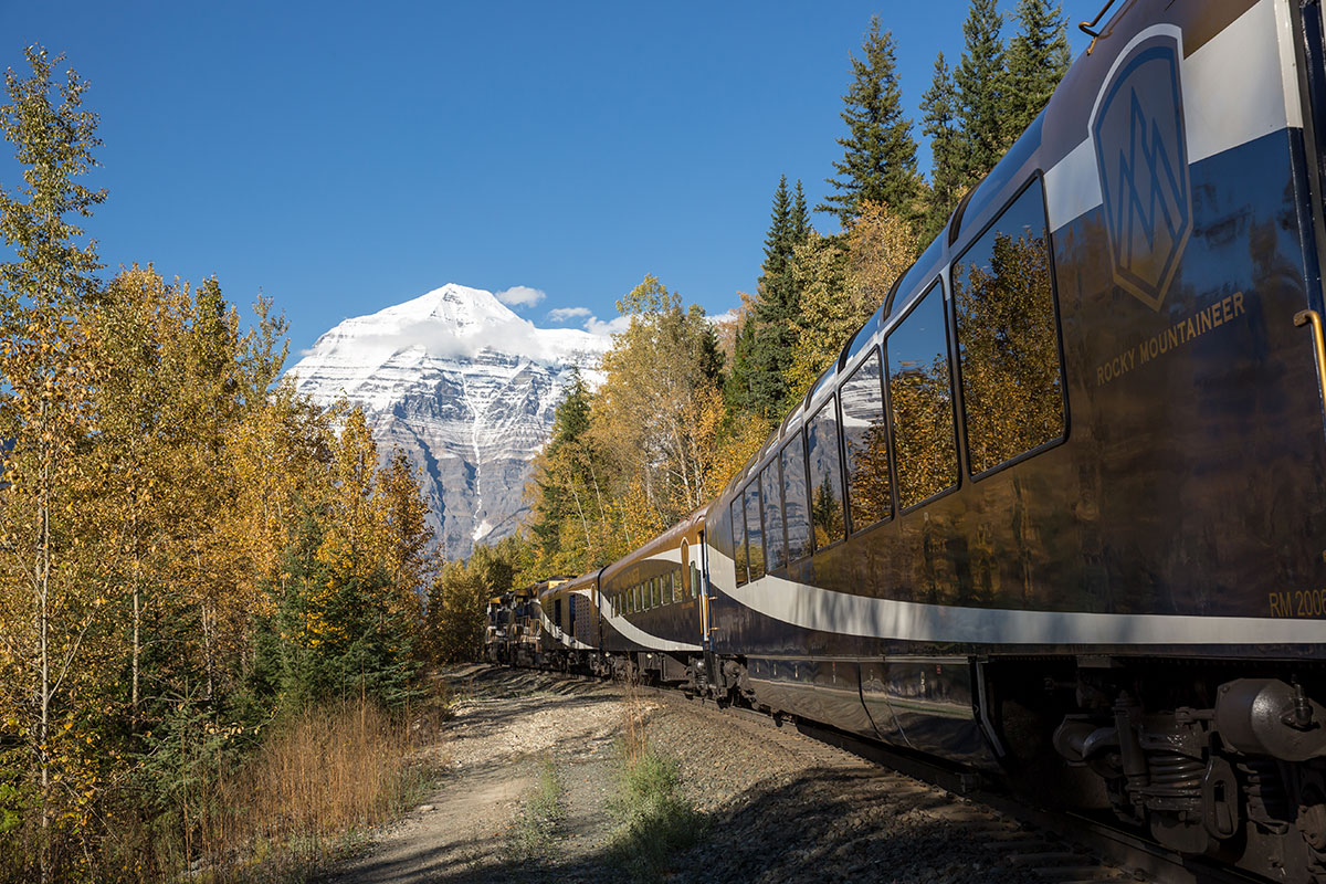 11 day Best of the Rockies tour with Rocky Mountaineer and flights
