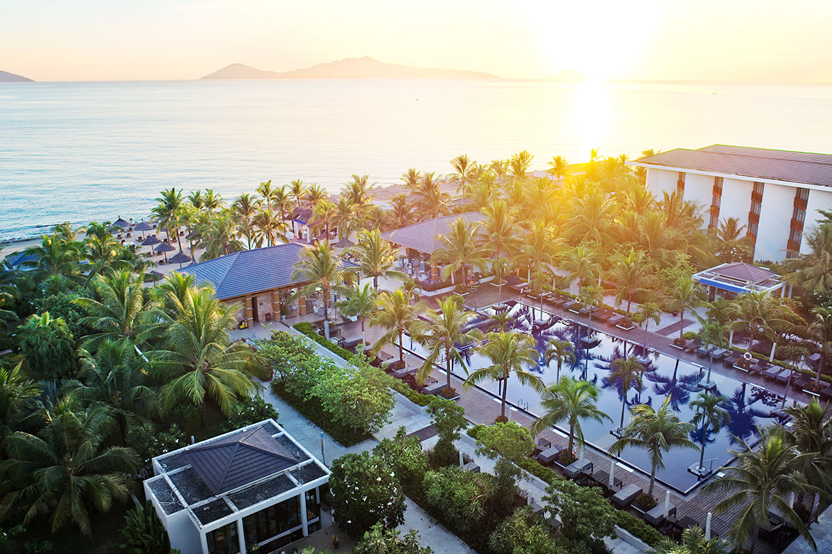 6 nights at 5-star Sunrise Premium Resort & Spa, Hoi An