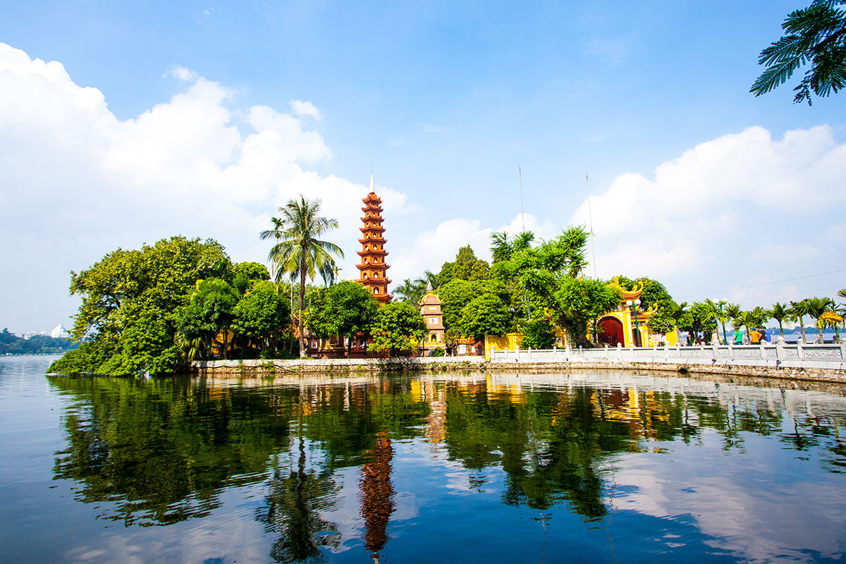 14 day Vietnam tour with 5-star Hoi An beach break and Singapore Stopover with flights
