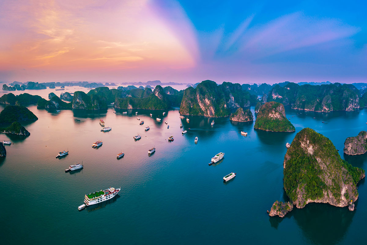 10 day Discover Vietnam tour with Halong Bay cruise and flights