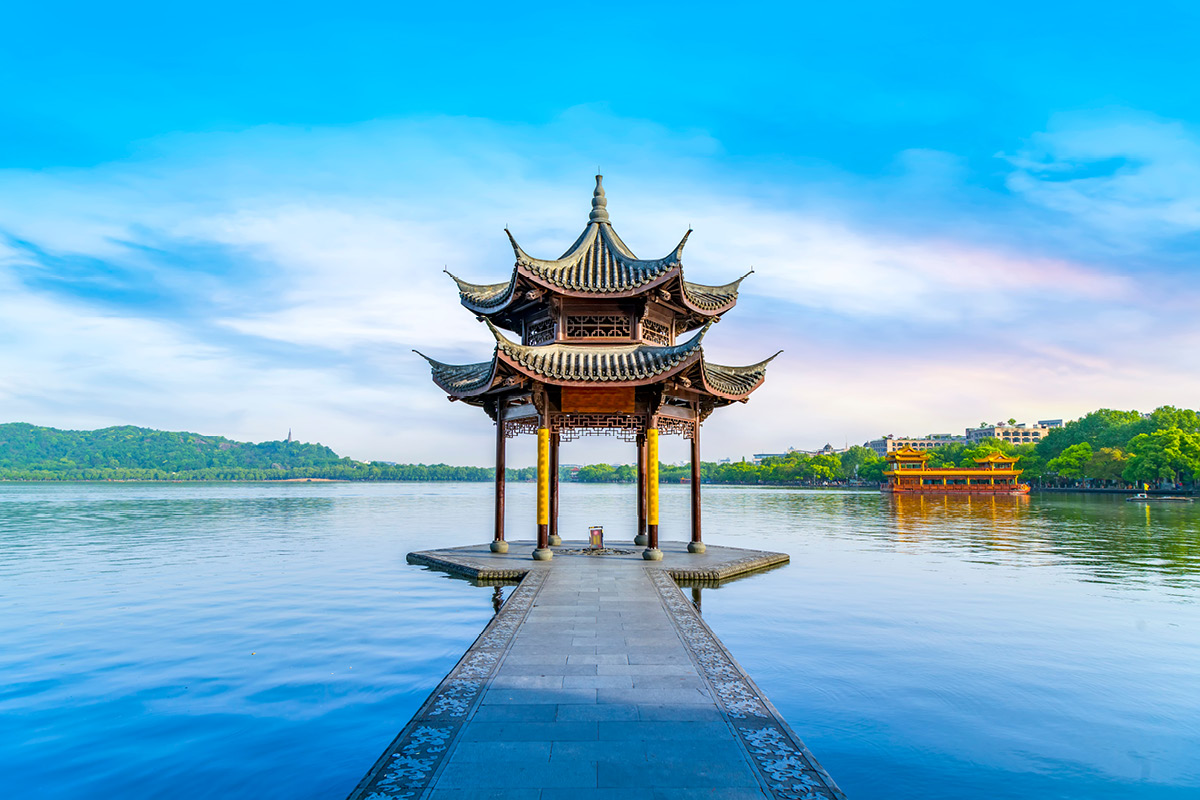 14 day Incredible China tour with Yangtze River cruise and flights