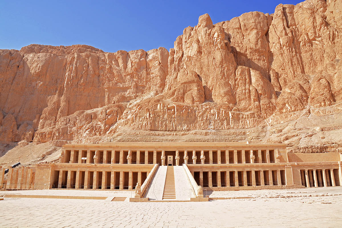 17 day Grand Egypt tour with Nile cruise, Red Sea and Emirates flights
