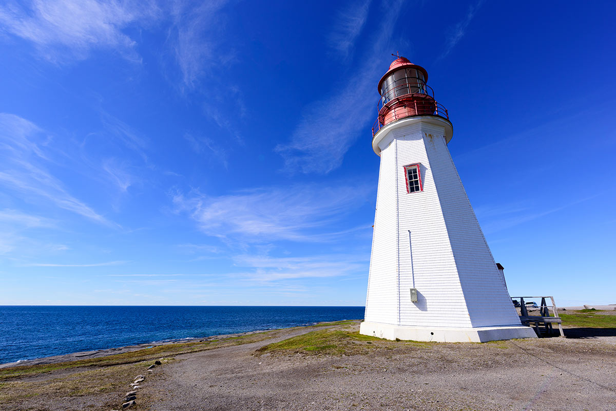 23 day Grand Eastern Canada tour with flights