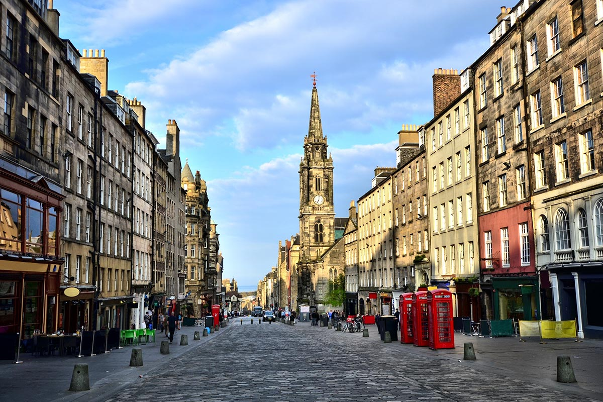 15 day Grand Tour of Scotland with Royal Edinburgh Military Tattoo and flights