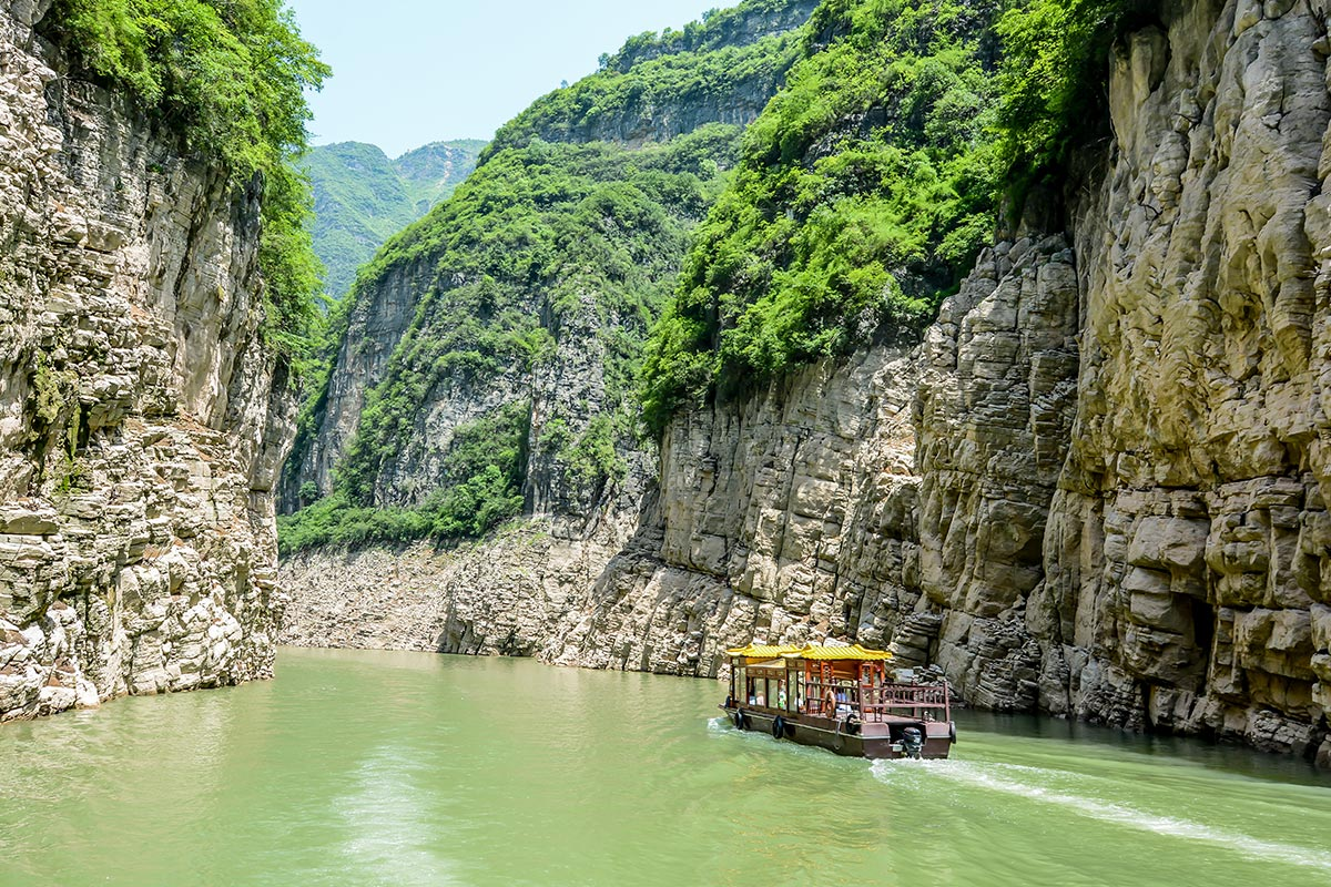 14 day Golden China tour with Yangtze River Cruise and flights